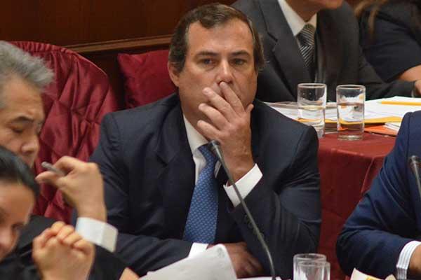 Aprueban acusación constitucional contra Bruno Giuffra