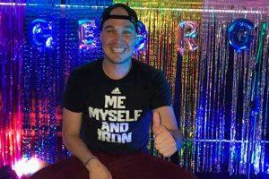 Forsyth comparte video de celebración de su cumpleaños y luego lo borra