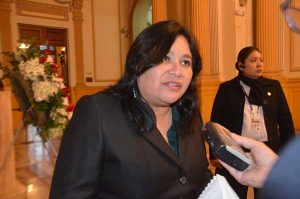 Janet Sánchez: Daniel Salaverry enfrenta a dos poderes del Estado