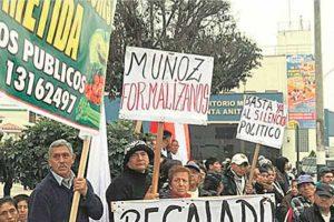 Minoristas de La Parada exigen nuevo mercado