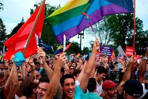 Marcha del Orgullo: Daniel Salaverry autoriza que el colectivo LGTBI use la Plaza Bolívar [DOCUMENTO]