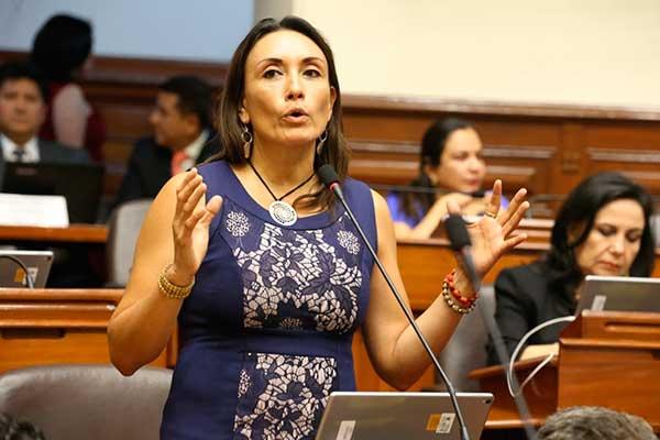 Patricia Donayre pretende eliminar inmunidad