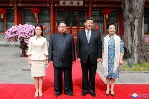 Xi llega a Norcorea para cumbre con Kim Jong Un