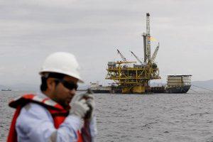 """""""Campaña de mentiras contra la industria de hidrocarburos"""""""