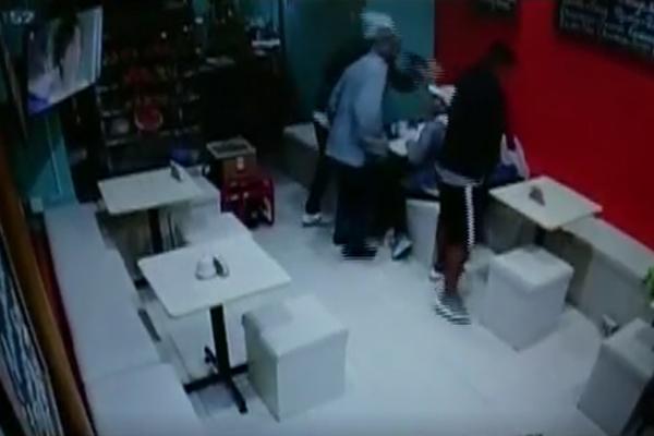 Ladrones roban juguería que se encuentra cerca a la Municipalidad