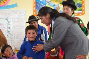 Evalúan a 70 mil docentes en 46 lenguas originarias