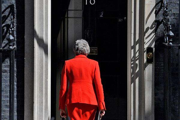 May deja su cargo como líder de conservadores