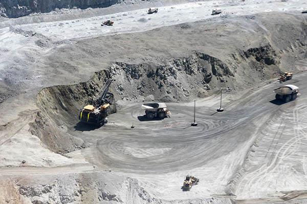 Southern Perú prevé invertir 8,100 millones de dólares