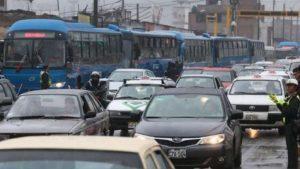 Concejo limeño aprueba iniciativa para restringir circulación vehicular