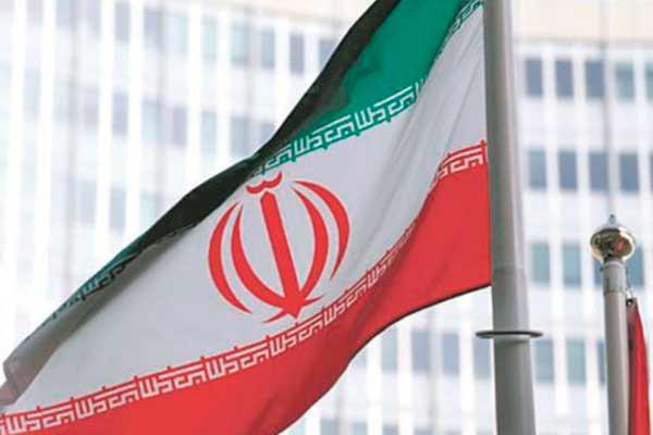 Donald Trump acusa a Irán de enriquecer uranio