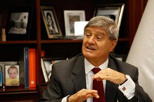 """Raúl Diez Canseco: """"Antisistema no quiere desarrollo"""""""