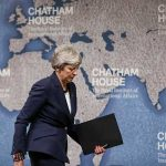 Theresa May urge a encontrar un terreno común en brexit
