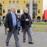 MVLL llegó a Lima y recorrió varias calles del Cercado