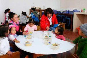 Apurímac: Programa social del MIDIS brinda atención a niños y madres gestantes