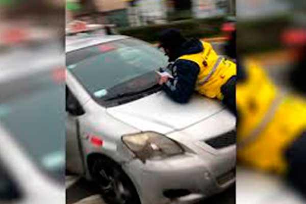 La Molina: Venezolano arrolla a inspectores de tránsito