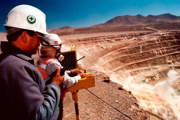 Proyecto de ley de minería propone impuesto de 80%