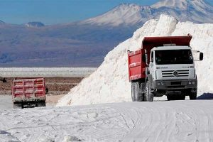 Perú puede producir litio y autos eléctricos