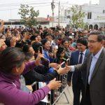 Vizcarra retrocede y pide que Congreso dé una opción para salida de crisis