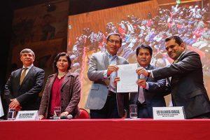Firman acta de negociación colectiva
