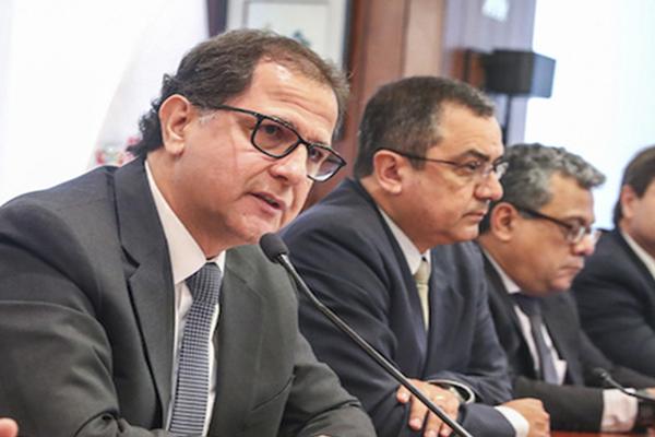 Ministros deben aclarar posición del Gobierno sobre Tía María