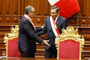 Ahora, Olaechea 'pecha' a Vizcarra