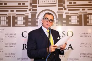 """Pedro Olaechea sobre elección del TC: """"¿Por qué la eficiencia asusta?"""""""