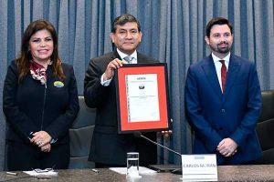 Carlos Morán: Nuevo pasaporte cumple norma antisoborno