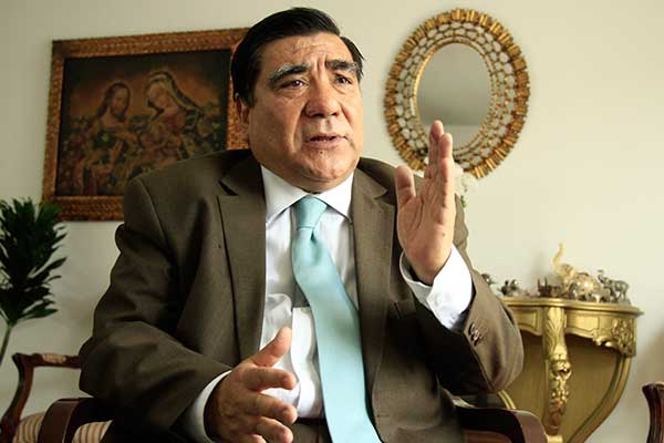 """Víctor García Toma: """"Internas desnudaron pobreza de los partidos"""""""