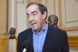 Yonhy Lescano defiende propuesta del Gobierno
