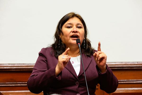 """Janet Sánchez: """"No voy a renunciar bajo ninguna circunstancia"""""""