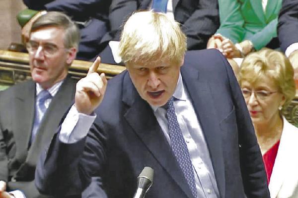 Johnson pide calmar los ánimos por brexit