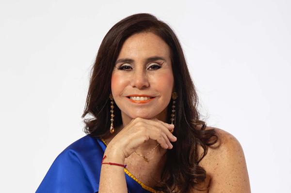 """Julie Freundt lanza nuevo repertorio llamado """"Cumbia Criolla"""""""