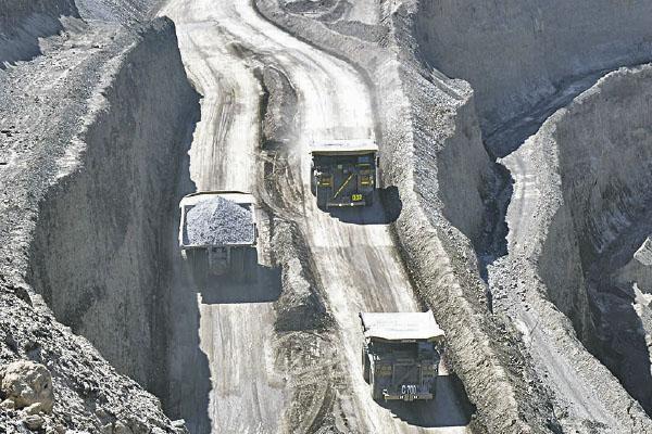 Las Bambas sacaría su producción por mineroducto o ferrocarril