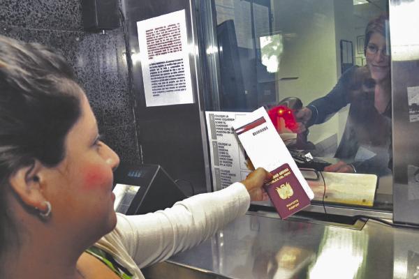 EE.UU. ofrece 50 mil visas a inmigrantes