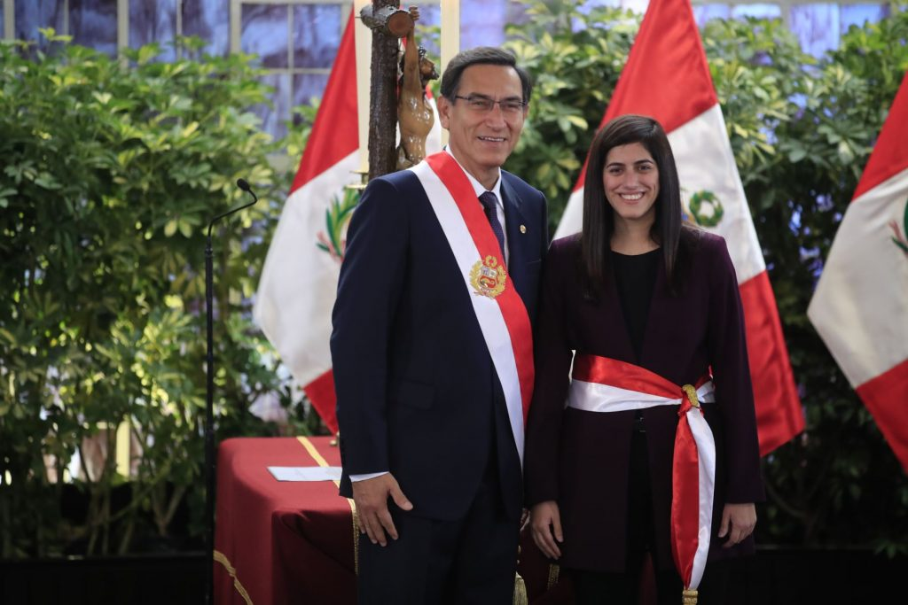 Ministra de Economía aportó a campaña de candidato de Fuerza Social al Congreso