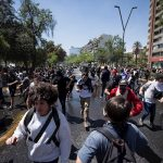 Vandalismo en Chile: Senado aprueba proyecto para anular alza a tarifa del Metro