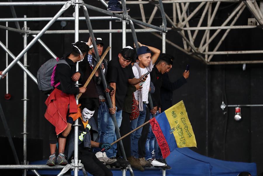 Protestas en Ecuador: policías retenidos por indígenas se encuentran bien