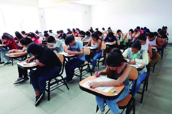 El Gobierno ayuda a las universidades públicas