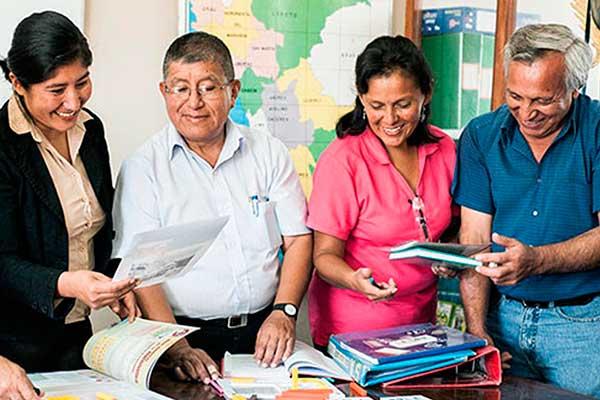 Maestros aportan iniciativas en educación