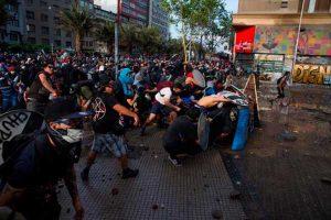 Chile: suben a 22 muertos por las violentas protestas