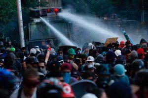 Acuerdo por la nueva Constitución chilena no sofoca la movilización social