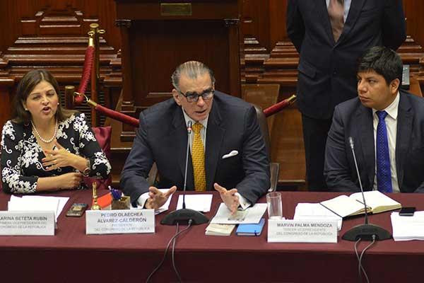 Pedro Olaechea cuestiona a Ejecutivo por negarse a dar información