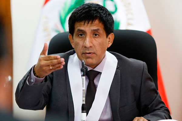 Carhuancho niega pedido a fiscales