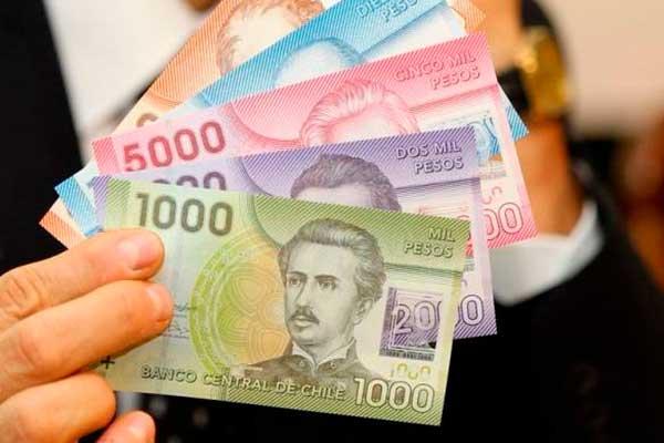 Peso chileno se desploma en Santiago