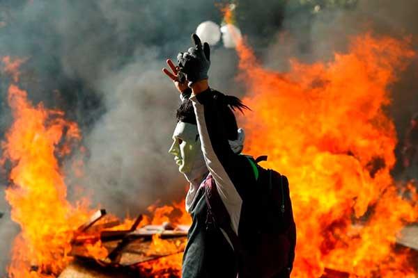 Chile: Sebastián Piñera llama a consejo seguridad por protesta