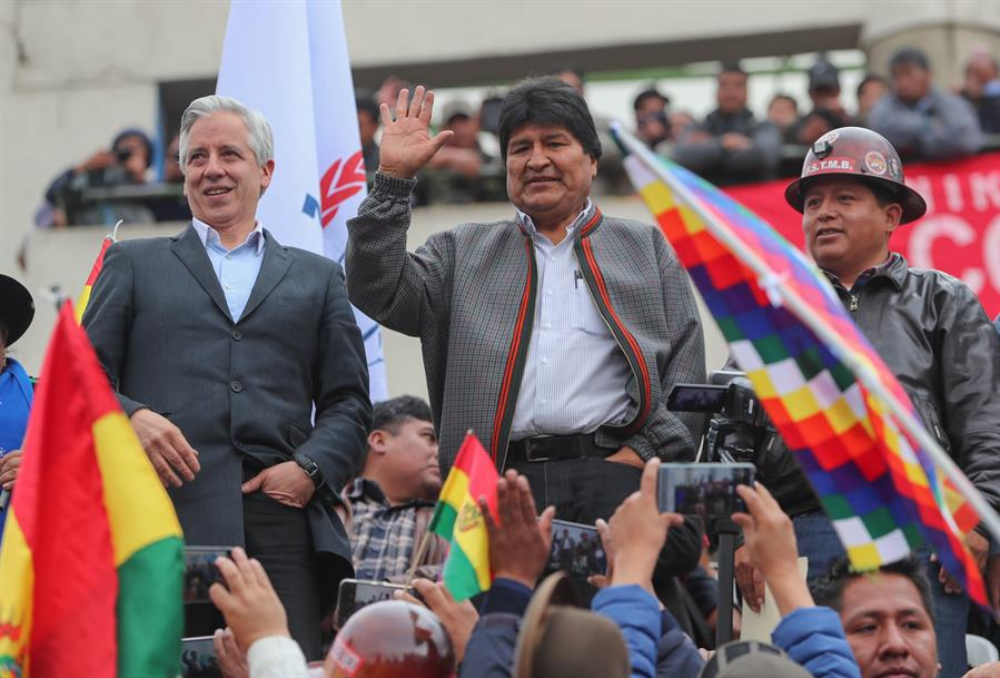 Gobierno boliviano descarta renuncia de Morales reclamada por la oposición