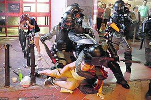 Miles desafían a la Policía en manifestaciones en Hong Kong