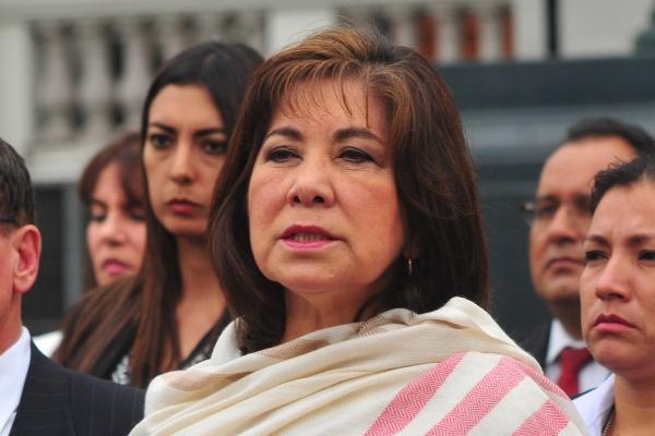 Martha Chávez renuncia a su militancia y a la bancada de Fuerza Popular