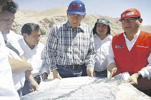 Vizcarra asegura que su gobierno no impone proyectos