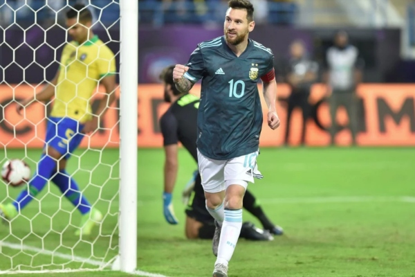Con gol de Messi, Argentina vence a Brasil (1-0) por la fecha FIFA